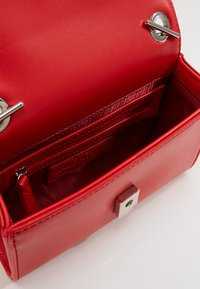 Valentino by Mario Valentino - RANMA - Across body bag - rosso - 3