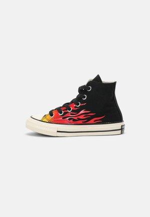 CHUCK 70 ARCHIVE FLAME HI UNISEX - Zapatillas altas - black/enamel red/egret
