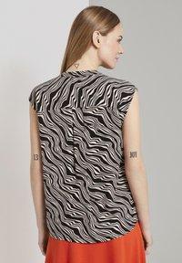 TOM TAILOR - Button-down blouse - black wavy design - 2