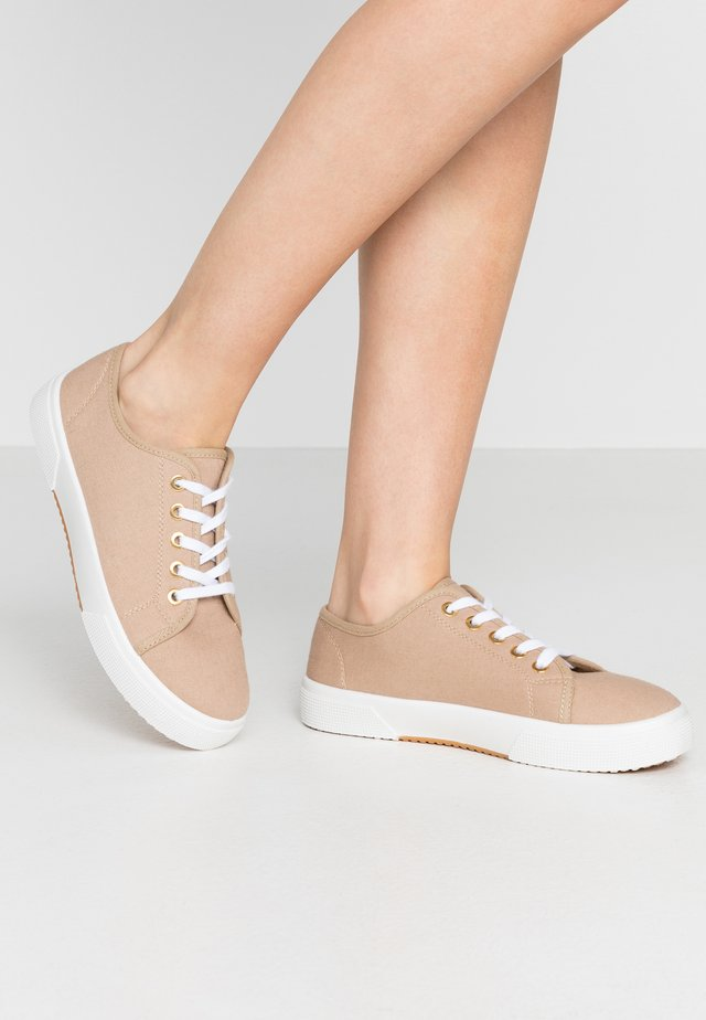 LISA LACE UP - Trainers - stone