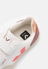 Veja - SMALL V12 - Sneakers laag - extra white/multicolor/dried petal - 5