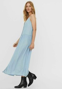Vero Moda - ÄRMELLOSES - Maxi dress - light blue denim - 4