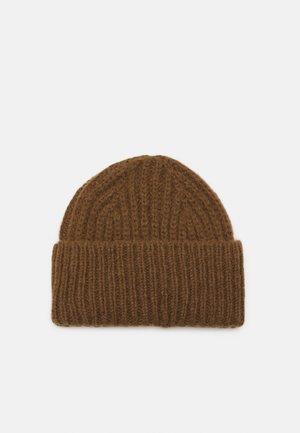 HAT - Pipo - tawny brown
