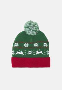 Urban Classics - CHRISTMAS BEANIE UNISEX - Beanie - green/red - 0