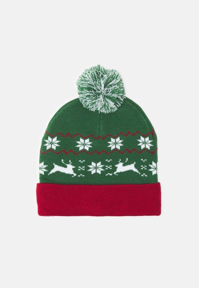 CHRISTMAS BEANIE UNISEX - Mössa - green/red