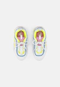 Fila - DISRUPTOR KIDS - Trainers - white/neon lime - 3