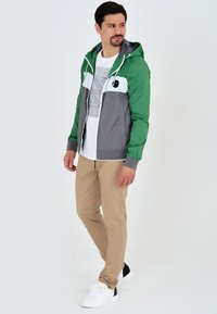 INDICODE JEANS - CHICKSAND - Outdoor jacket - green - 1