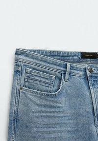 Massimo Dutti - MIT STRUKTURMUSTER - Slim fit jeans - blue/black denim - 4