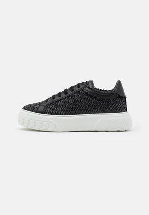 OFF-ROAD VERSILIA - Sneakersy niskie - nero