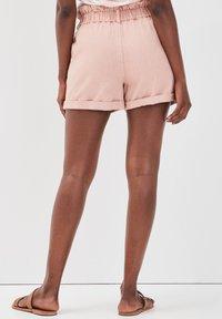 Cache Cache - Denim shorts - rose - 2