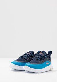 Nike Sportswear - AIR MAX AXIS - Instappers - midnight navy/hyper crimson/laser blue - 3