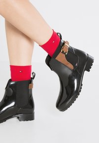 Tommy Hilfiger - OXLEY - Wellies - black/winter cognac - 0