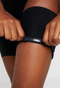 MAGIC Bodyfashion - BE SWEET TO YOUR LEGS - THIGH BANDS - OBERSCHENKELBÄNDER - Overkneestrumpor - black - 4