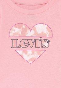 Levi's® - LONGSLEEVETEE - Long sleeved top - almond - 2