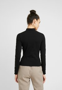 Urban Classics - LADIES STRIPED - Topper langermet - black - 2