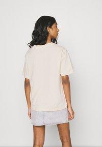 Monki - TOVI TEE - Print T-shirt - off-white - 2