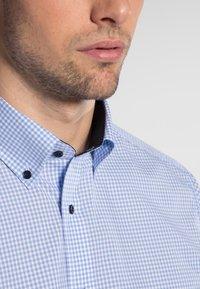 Eterna - REGULAR FIT - Shirt - light blue/white - 2
