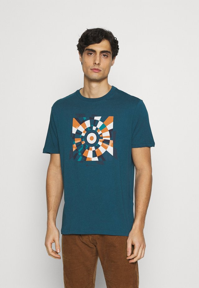 FRACTURED TARGET TEE - T-shirts print - sea