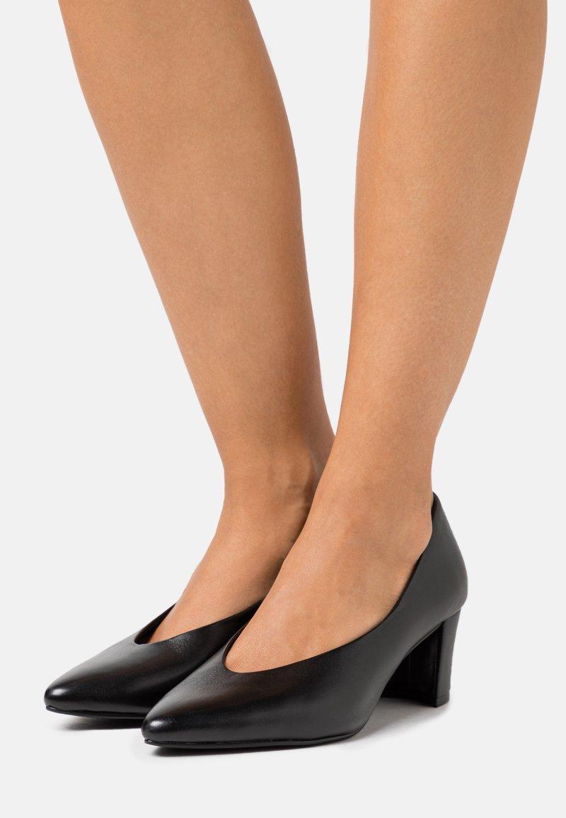 Marco Tozzi - Classic heels - black antic