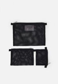 ARKET - SET UNISEX 3 PACK - Wash bag - black - 3