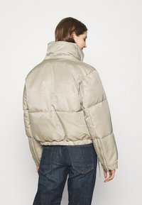 Weekday - HANNA SHORT PUFFER JACKET - Winter jacket - beige - 3