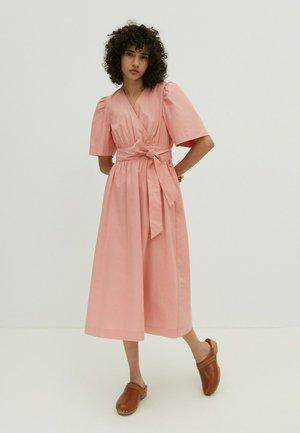 NOELLE - Day dress - pink