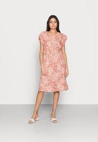 Saint Tropez - TISHA DRESS - Day dress - brick glam - 0