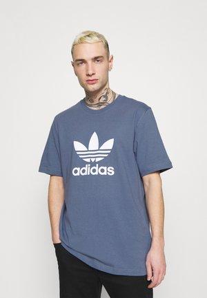TREFOIL UNISEX - T-shirt med print - crew blue/white