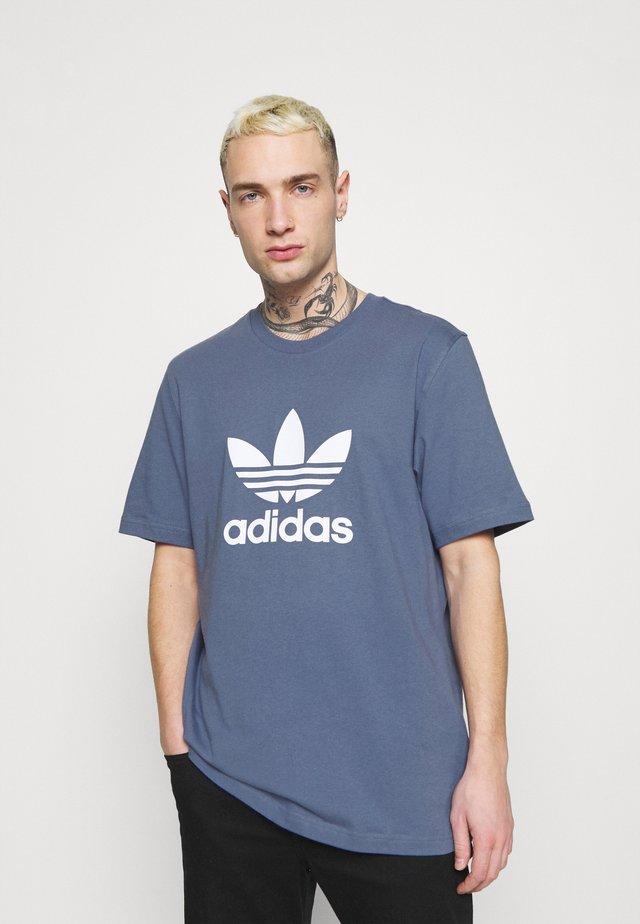 TREFOIL UNISEX - Print T-shirt - crew blue/white