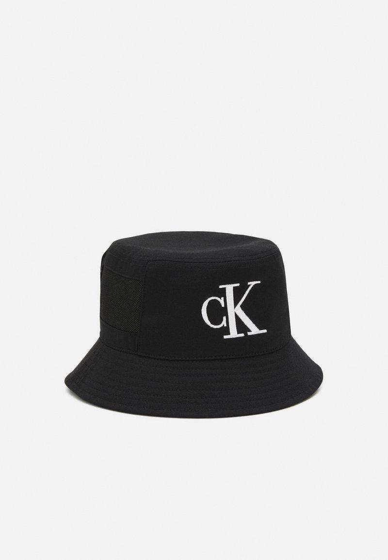 Calvin Klein Jeans - MONO BUCKET UNISEX - Klobouk - black