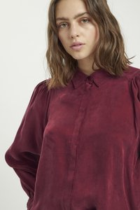 My Essential Wardrobe - Button-down blouse - oxblood red - 3