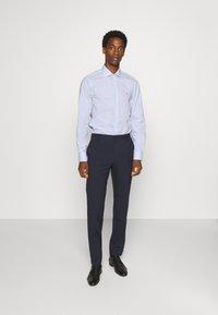 Tommy Hilfiger Tailored - STRIPE CLASSIC SLIM - Formal shirt - blue - 1