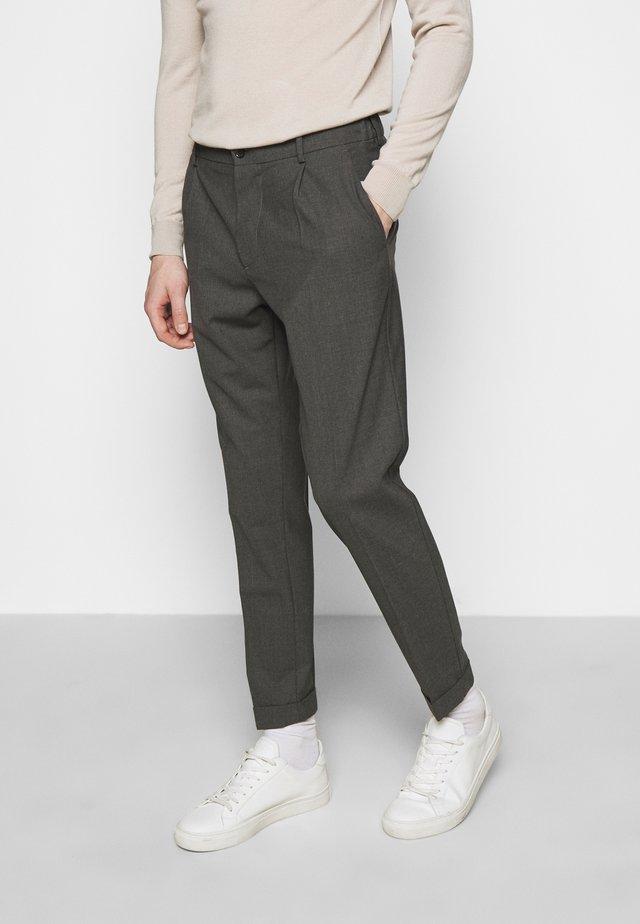 SASHA PLEATED PANTS - Pantaloni - grey melange
