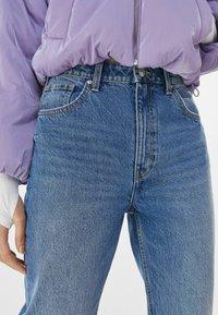Bershka - MOM FIT JEANS - Jeans baggy - dark blue - 3
