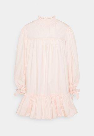 TIE LONG SLEEVE PUFF HEM MINI DRESS WITH HIGH NECK - Vestito estivo - blush
