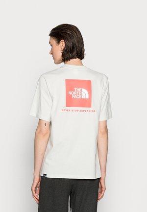 REDBOX TEE - T-shirt con stampa - tin grey/faded rose