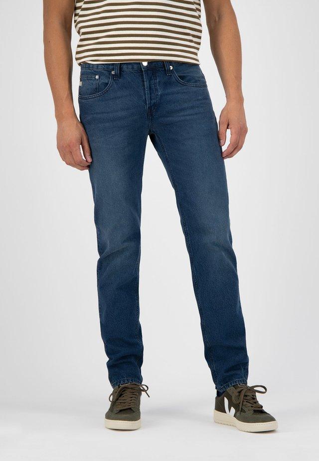 Straight leg jeans - true indigo
