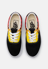 Vans - ERA UNISEX - Trainers - black/true white