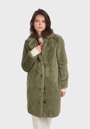 CYBER - Winter coat - green