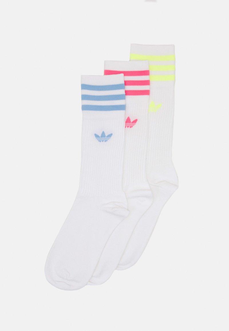 adidas Originals - SOLID CREW SOCK UNISEX 3 PACK - Sokken - white/pulse yellow/rose tone/ambient sky