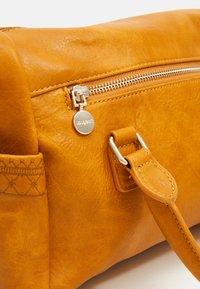 Desigual - BOLS MARTINI LOVERTY MINI - Handtasche - yellow - 5