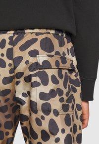 Just Cavalli - PANTALONE - Teplákové kalhoty - beige - 6