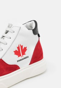 Dsquared2 - UNISEX - High-top trainers - white/red - 5