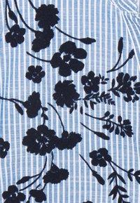 Springfield - CAMISA SLUB RAYA - Blouse - light blue - 2