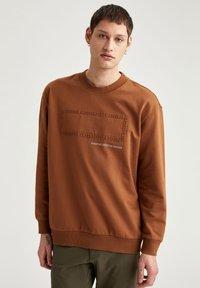 DeFacto - OVERSIZED - Sweatshirt - brown - 0