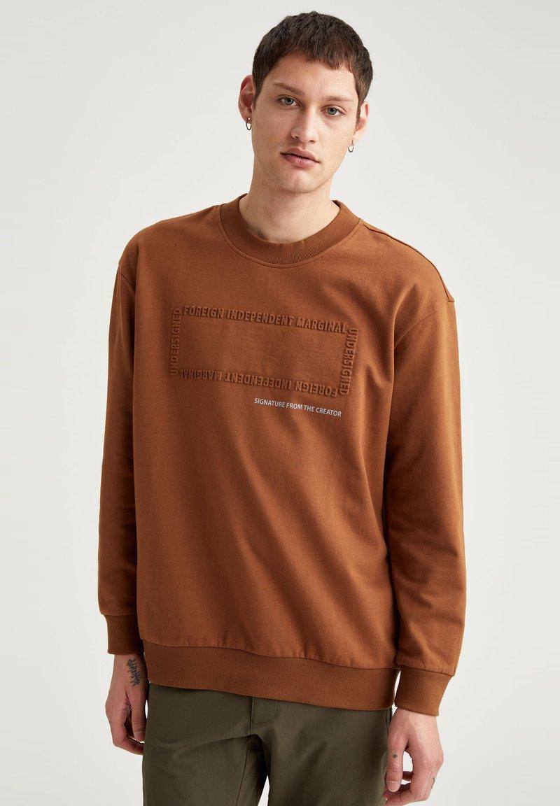 DeFacto - OVERSIZED - Sweatshirt - brown