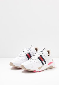 Tommy Jeans - COOL RUNNER - Trainers - white/glamour - 4