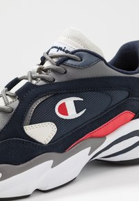Champion - TAMPA - Sports shoes - white - 5