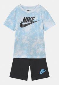 Nike Sportswear - MAGIC CLUB SET  - T-shirt print - black - 0