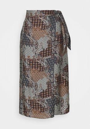 Falda acampanada - pattern